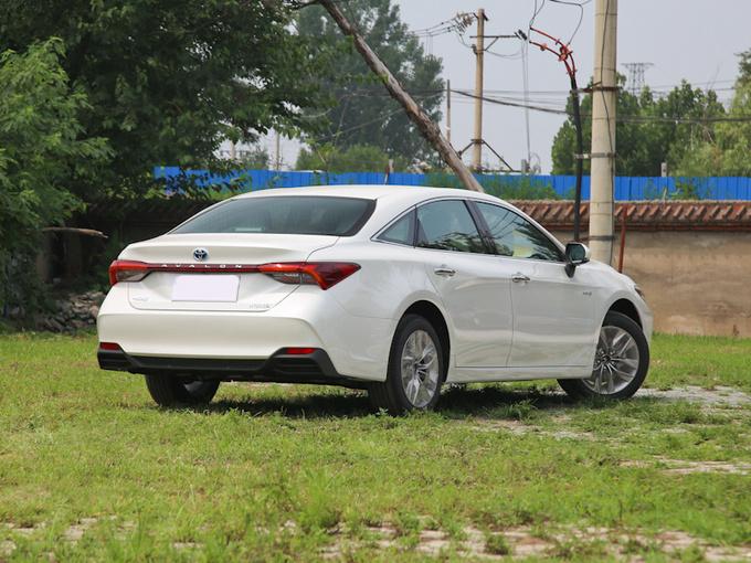 丰田将推出插电混动版亚洲龙 百公里油耗或低至2L-图2