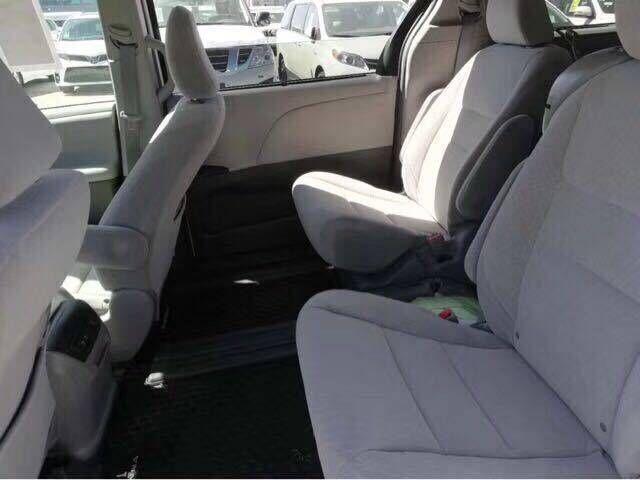 丰田塞纳四驱标配LE版本 环保公开48.5万-图6