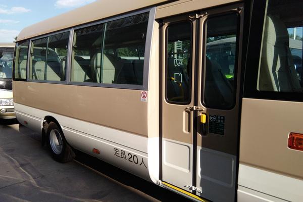 18丰田考斯特降价促销 豪华客舱全新改装-图3