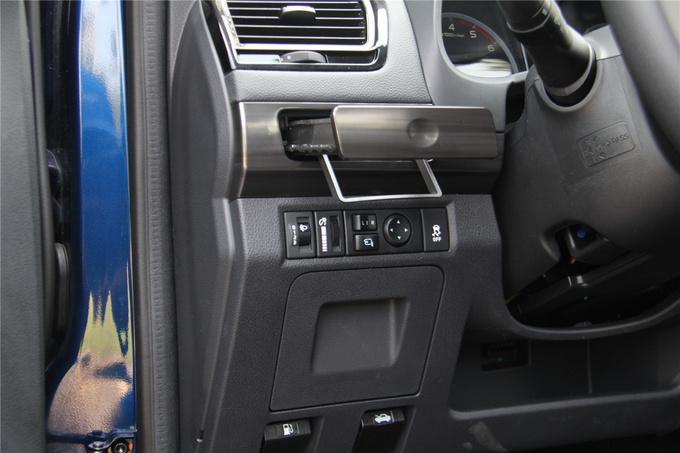五十铃全新D-MAX上市售10.88万—19.88万元-图8