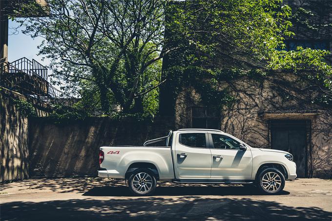 上汽T70全新8AT车型本月上市高清实拍图抢先曝光-图2