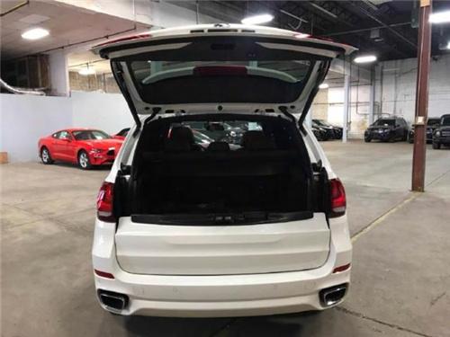 18款宝马X5 加版展厅现车九月最新行情价-图6