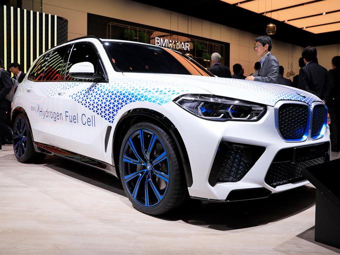 宝马X5新车型配氢燃料电池/与丰田共同研发-图1