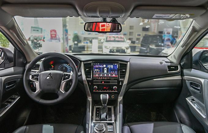 进口硬派SUV不到30万就能买新款帕杰罗·劲畅到店-图3