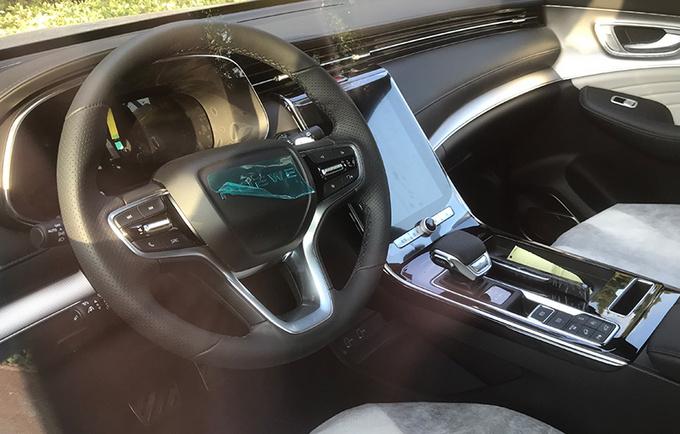 2020广州车展前瞻造型配置皆提升 新款荣威RX5 MAX实拍-图9
