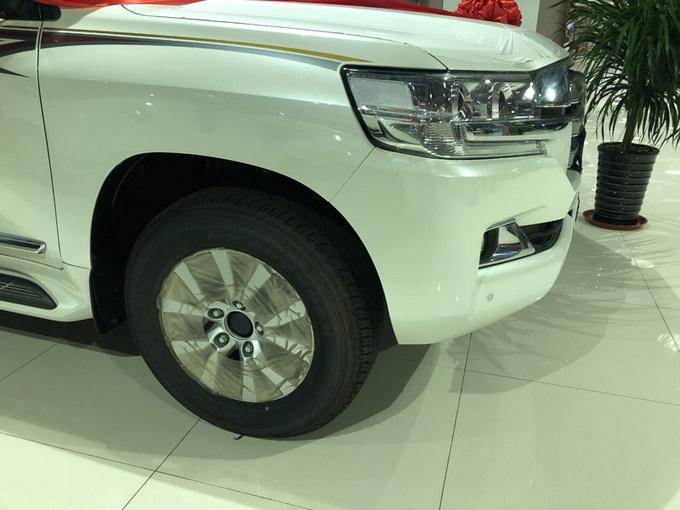 18款中东丰田酷路泽4600 V8大折扣91万售-图9