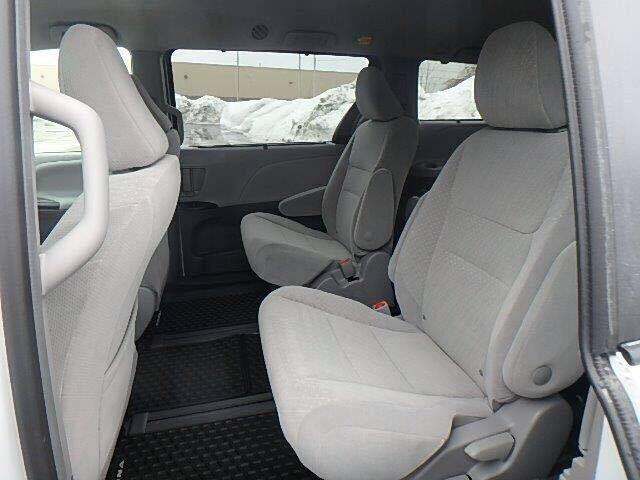 丰田塞纳四驱标配LE版本 环保公开48.5万-图7