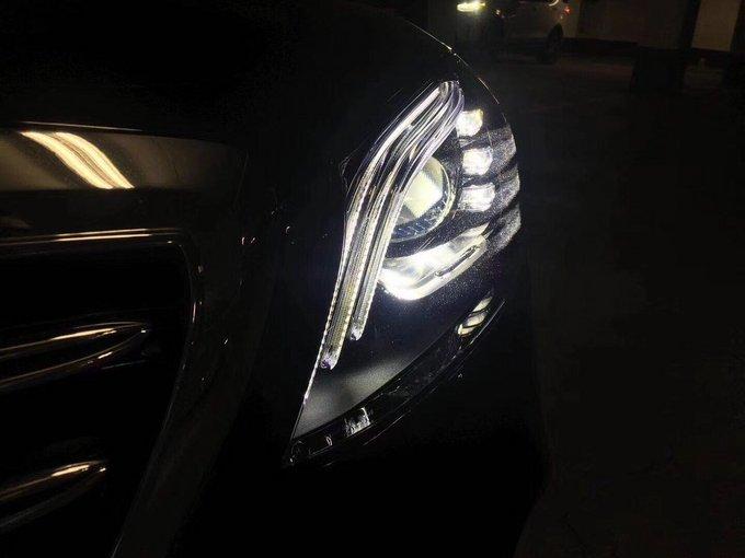 控制的高性能led灯泡,可根据当前道路条件及交通状况对大灯进行快速