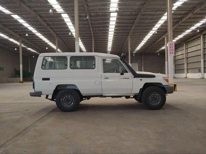 18款丰田LC79汽油4.0 现车到港优惠报价-图8