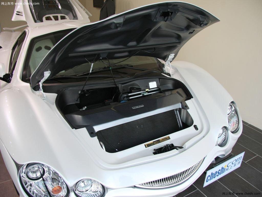 汽车图片 光冈 大蛇 2010款 3.