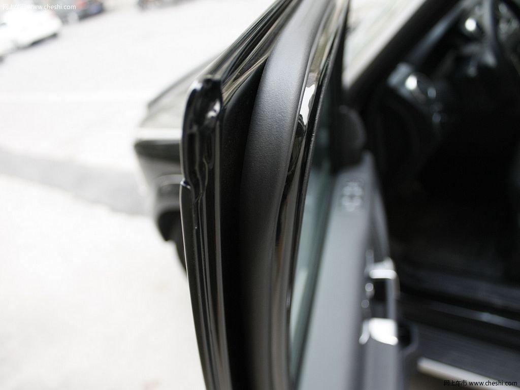 圣托里尼黑路虎发现 2012款 5.0 自动HSE汽油版 7座其他细节高清图片高清图片