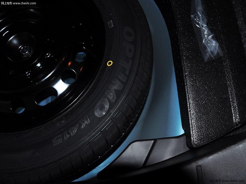 晴空蓝马自达3星骋 2013款 两厢 1.6 自动精英型车厢座椅高清图片 45 高清图片