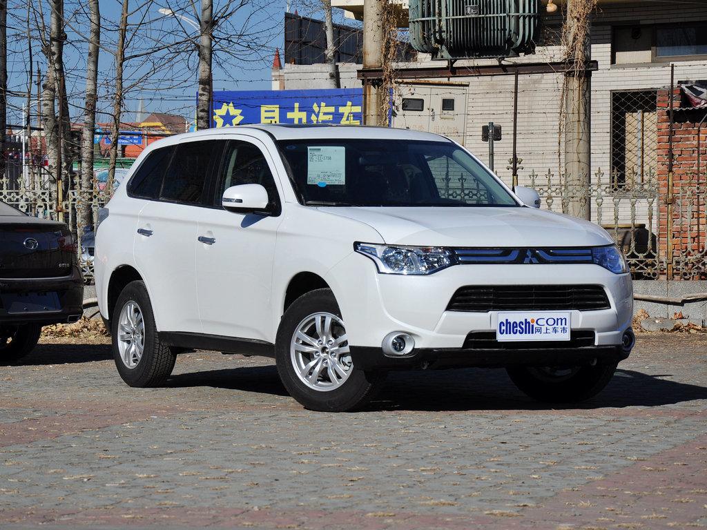 汽车图片 三菱 欧蓝德(进口) 2013款 2.