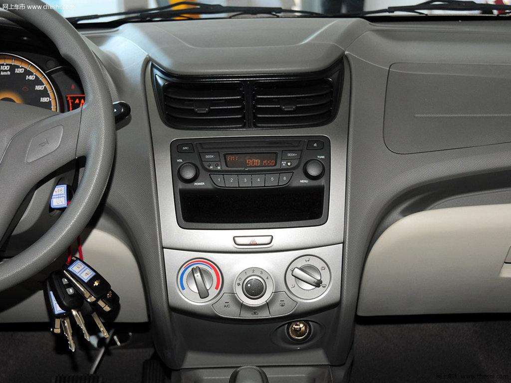 赛欧 2013款 1.2L EMT两厢 理想版内饰中控图片 38 40高清图片