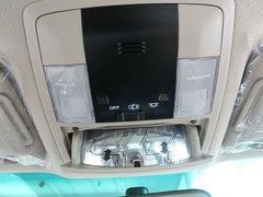 丰田(进口)  普拉多 2.7 AT 前排车顶中央特写