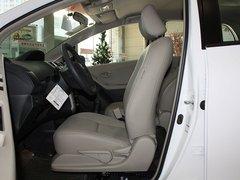 广汽丰田  新雅力士 1.6E AT 驾驶席座椅正视图