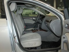 一汽奥迪  A4L 2.0 TFSI CVT 副驾驶座椅正视图