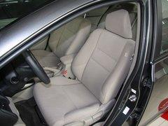 广汽本田  锋范 1.5 AT 驾驶席座椅前45度视图