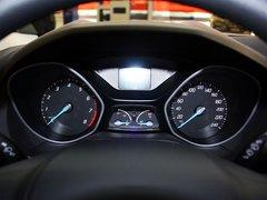长安福特  新福克斯两厢 1.6 AT 方向盘后方仪表盘