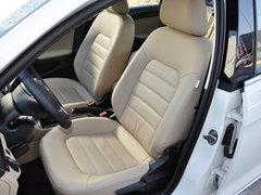 一汽-大众  1.6L 自动 驾驶席座椅前45度视图