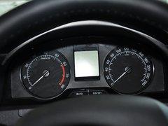 斯柯达  1.6L 手动 方向盘后方仪表盘