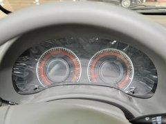 比亚迪  1.5L DCT 方向盘后方仪表盘