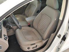 一汽-大众  2.0TSI DSG 驾驶席座椅前45度视图