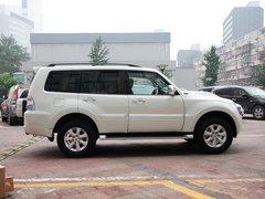 三菱(进口)  3.0L 自动 车辆正右侧