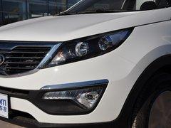 东风悦达起亚  GL 2.0L 自动 车辆左前大灯45度视角