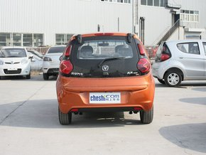 长安乘用车  1.0L 自动 车辆正后方尾部视角