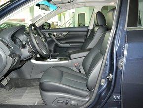 东风日产  2.5L 驾驶席座椅正视图