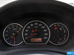 长安铃木  1.5L 自动 方向盘后方仪表盘