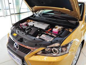 雷克萨斯  200h 1.8L CVT 发动机主体特写