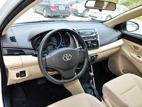 一汽丰田  1.5L 自动 中控台左侧