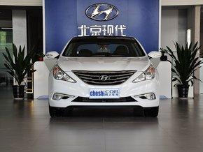 北京现代  2.4L 自动 车头正面视角