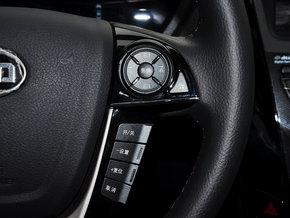 比亚迪  1.5T 方向盘右侧
