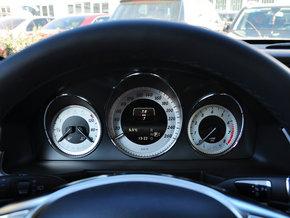 北京奔驰  GLK 260 4MATIC 方向盘后方仪表盘