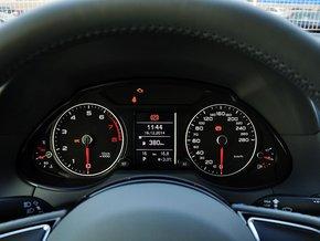 一汽奥迪  40 TFSI 方向盘后方仪表盘
