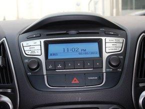 北京现代  改款 GL 2.0L 手动 中控仪表台上方