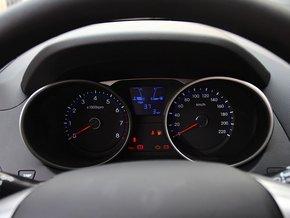 北京现代  改款 GL 2.0L 手动 方向盘后方仪表盘