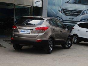 北京现代  改款 GL 2.0L 手动 车辆右侧尾部视角