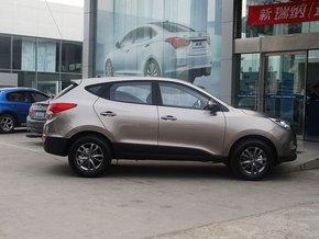 北京现代  改款 GL 2.0L 手动 车辆正右侧