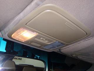 本田 奥德赛 2008款 前排车内顶灯或功能键