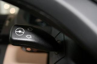 德国宝马 X5 方向盘调节