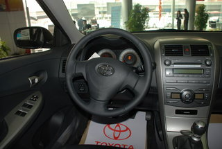 丰田 卡罗拉 副驾驶席侧