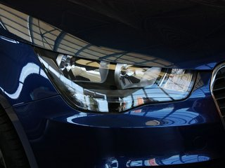 车辆右前大灯45度视角