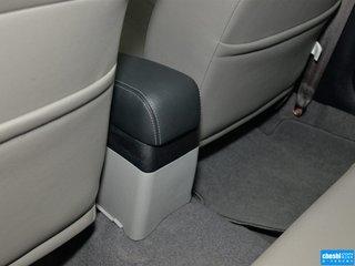副驾驶席座椅45度特写