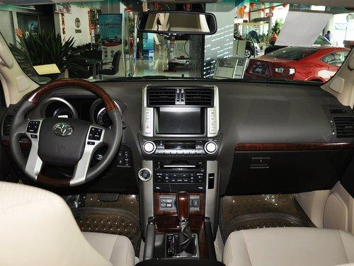 一汽丰田  4.0L AT 中控台整体