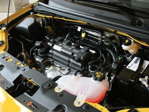 雪佛兰  爱唯欧两厢 1.4 SL MT 发动机主体特写