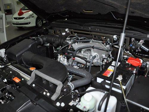 三菱(进口)  帕杰罗 3.0L AT 发动机主体特写